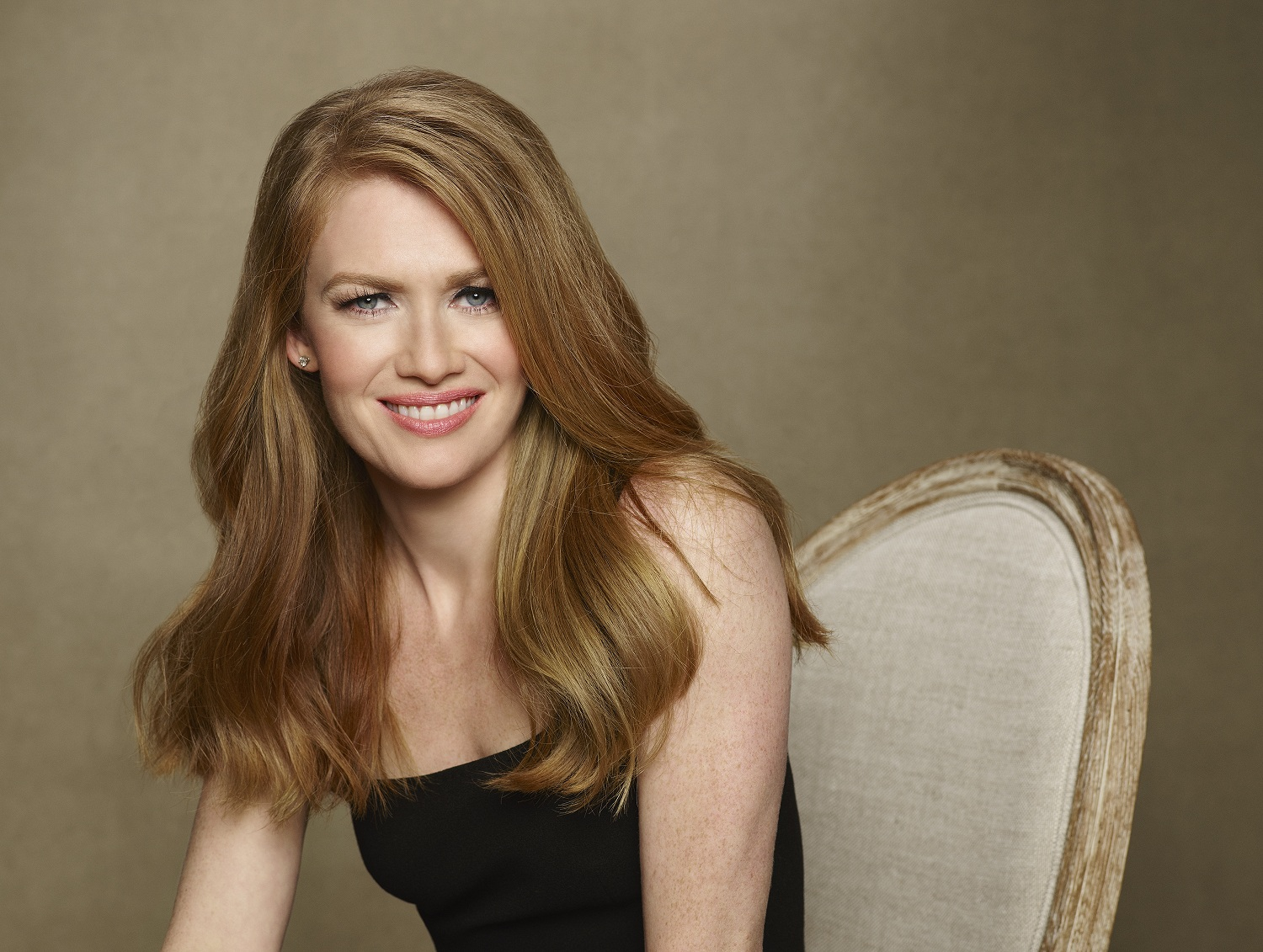 """THE CATCH - ABC's """"The Catch"""" stars Mireille Enos as Alice. (ABC/Craig Sjodin)"""
