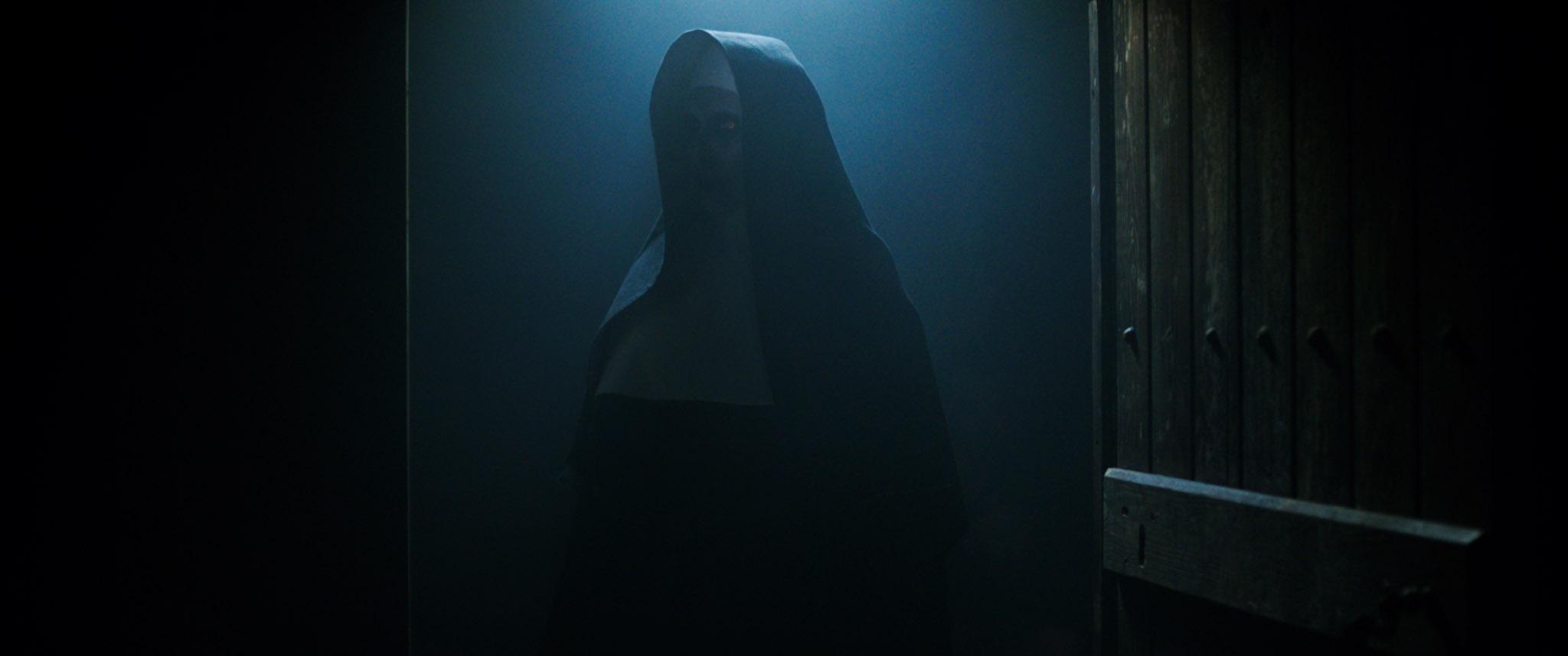 Монахинята- FinitHicDeo